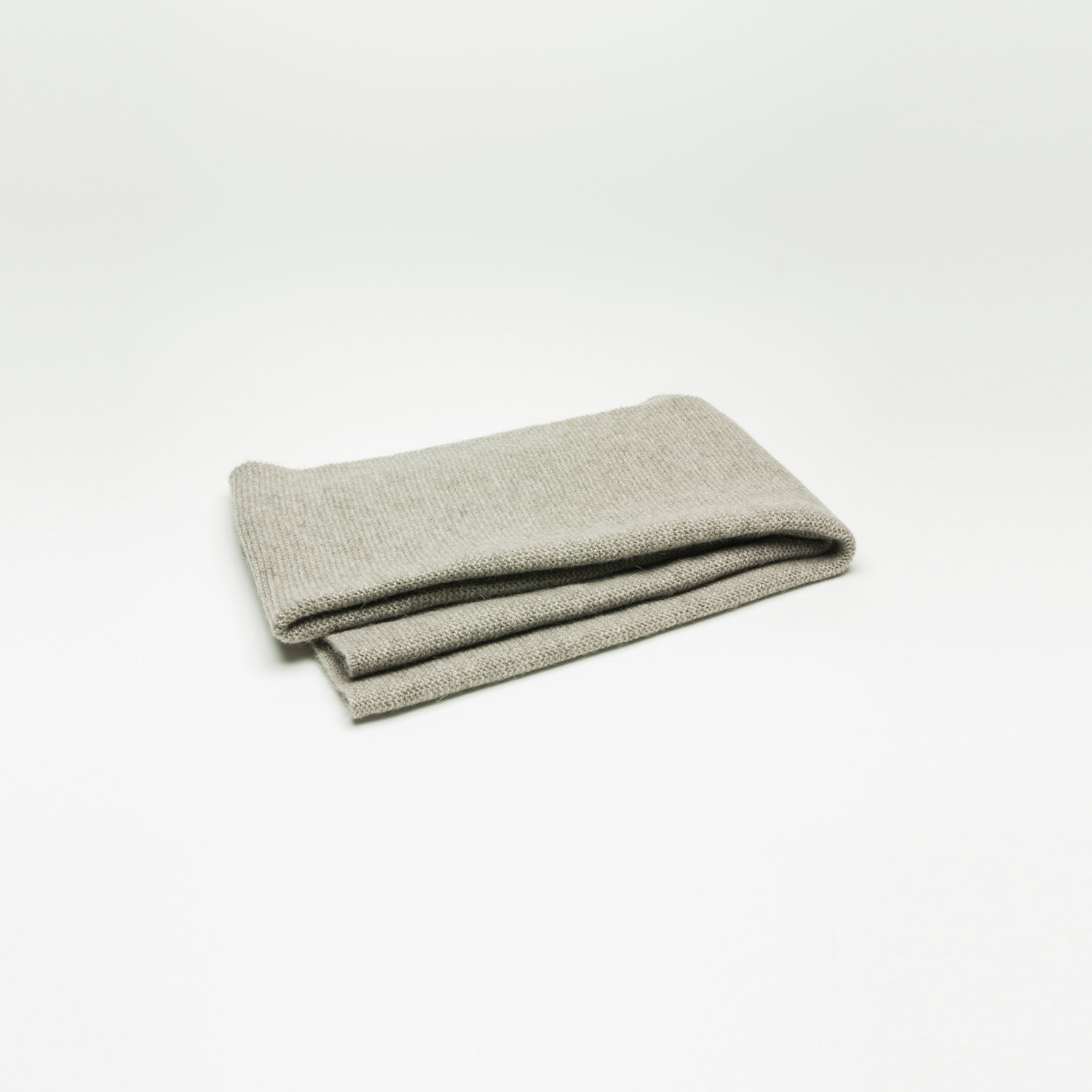The Yak Down Scarf by Rimma Tchilingarian, Platinum Grey, Yakwolle, Schal